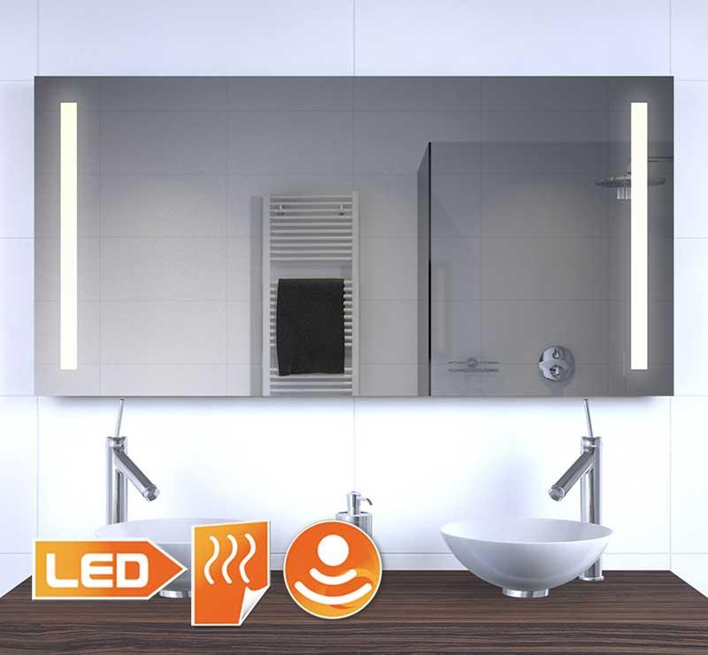 Dette 120 cm brede spejl har venstre og højre varm hvid LED-belysning, meget praktisk!