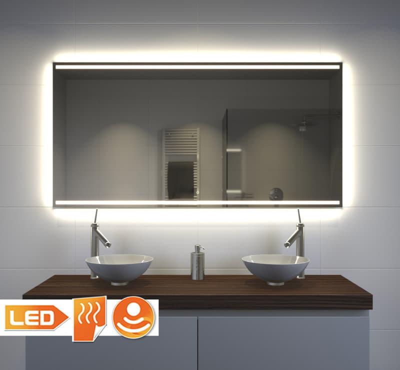 Badeværelsesspejl med flot belysning, varme og berøringssensor